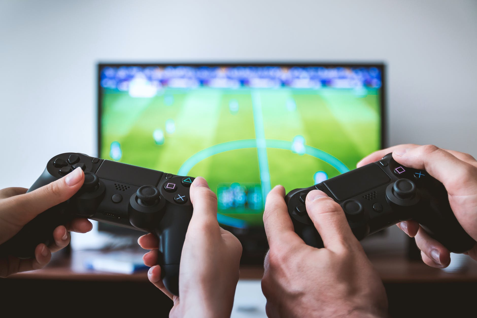 5 Kids' Important Life Lessons while Playing Video Games