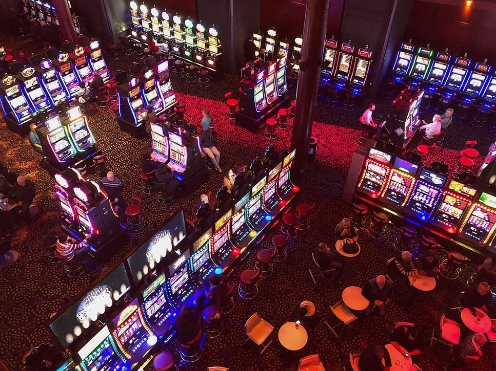 How Live Dealer Casino Games Work