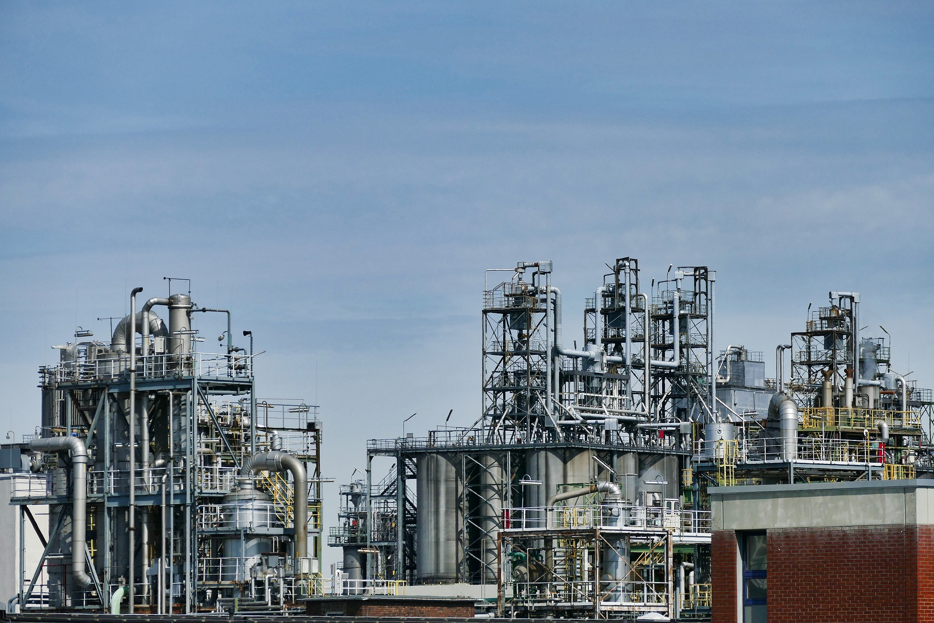 Three Major Stages of Oil and Gas Industry Operations