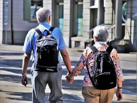 5 Tips to Live Life Independently For Elderly People