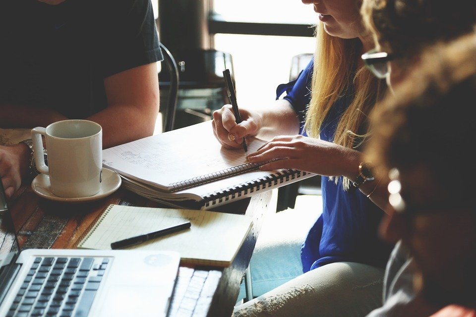 HOW LEARNING STRATEGIC COMMUNICATION CAN HELP IN THE CORPORATE WORLD