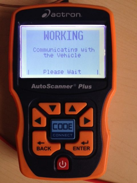 OBD_Auto_Scanner_connecting_to_the_ECU