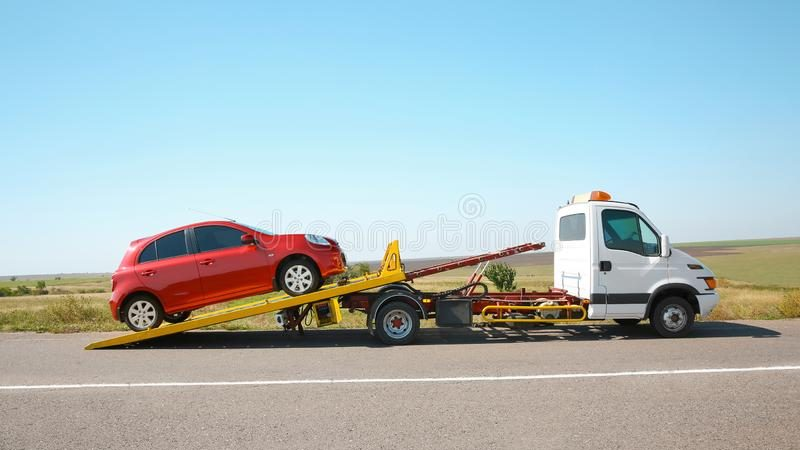 Towing Guide: Flat Towing Vs. Trailering Pros & Cons