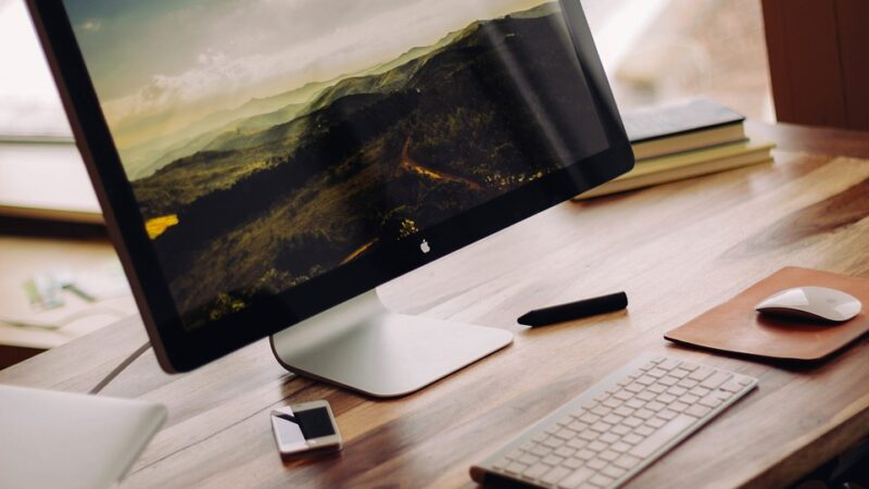How to Download and Read an E-Book on Your Desktop