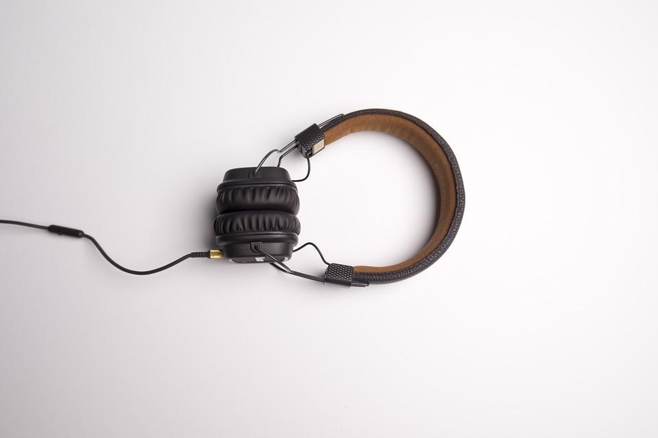 Arctis 7 VS Arctis Pro- Which One Should You Buy?   Best Headphones Reviews 2021