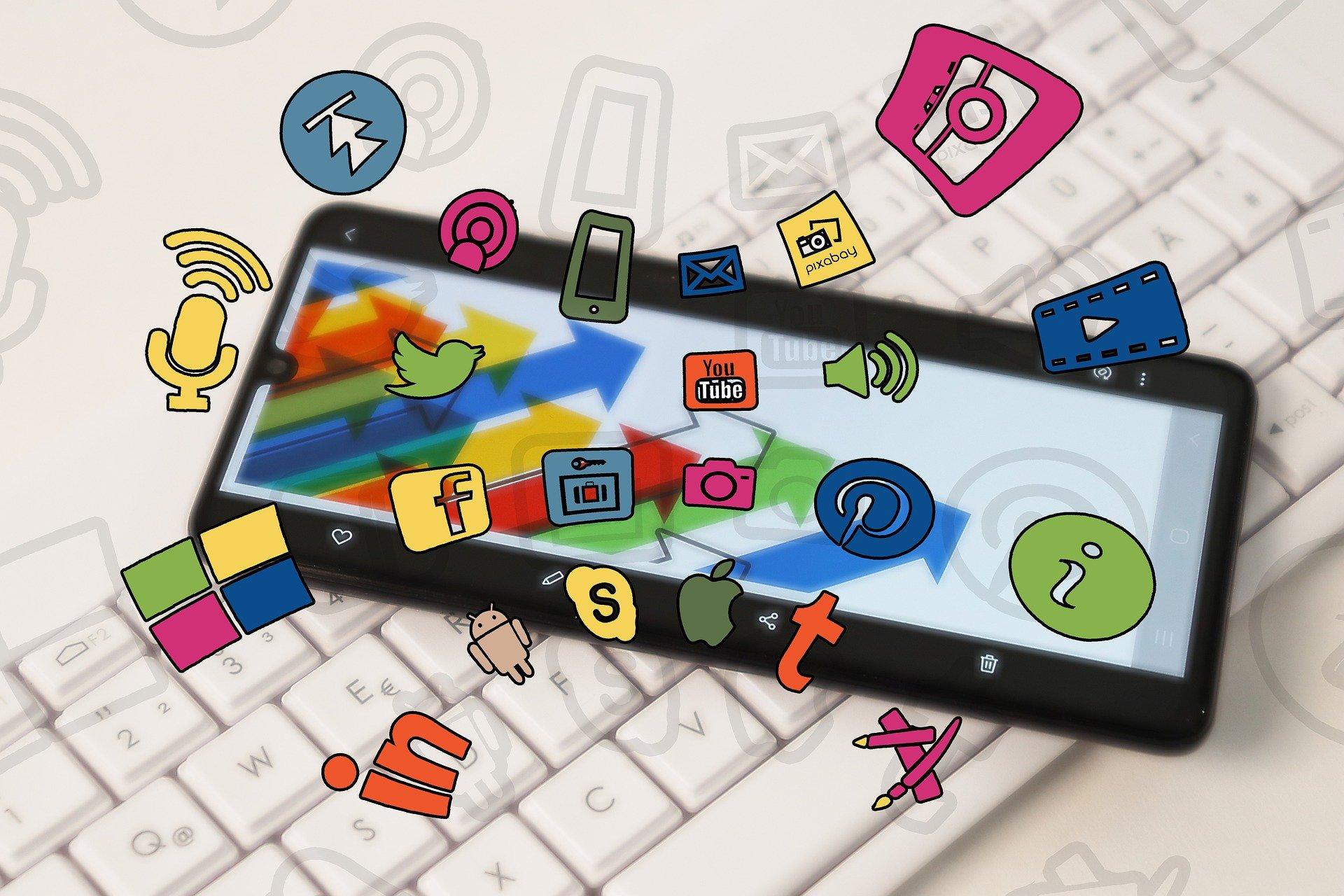 Social Media For Content Creators: 6 Factors To Spark Their Social presence