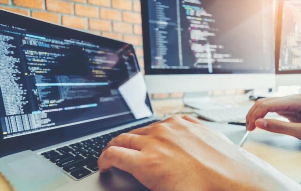 What are the criteria of hiring a good web developers?