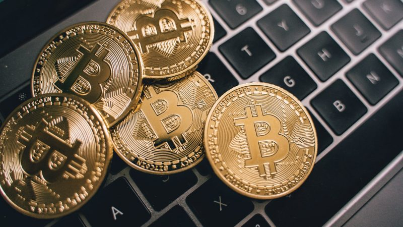 How can you be a professional cryptocurrency trader? Here are some tips