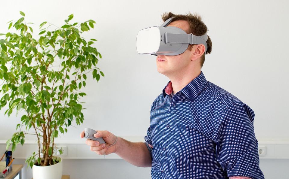 How Prescription Lenses Can Transform Your VR Experience